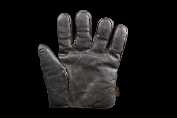 c.1880's Workmans Glove Front