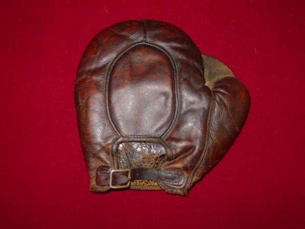 c. 1890's Crescent Full Web Basemitt Back