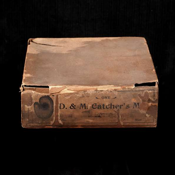 c. 1890's D&M Catchers Mitt Box