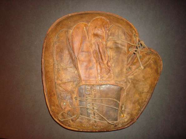 c. 1890's Laced Lining Crescent Catchers Mitt Back