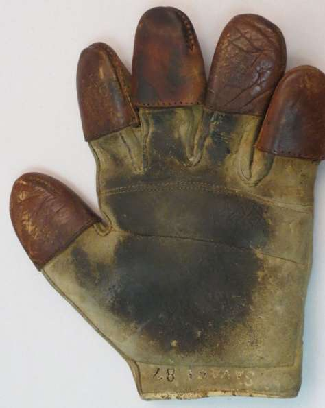 c. 1890's Spalding Tipped Finger Catchers Glove Front