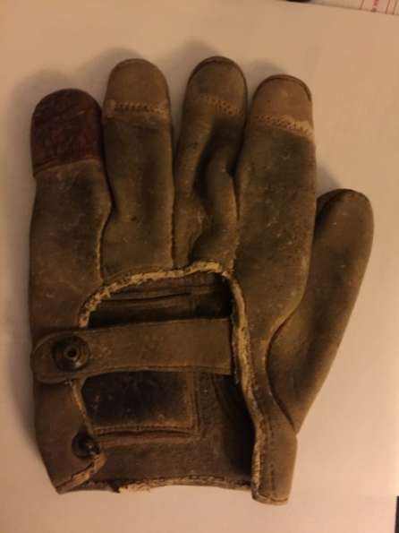 c. 1880's-90's Tipped Finger Catchers Glove Back