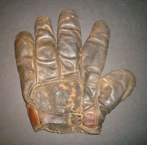 c. 1890's Webless Glove Brown Back
