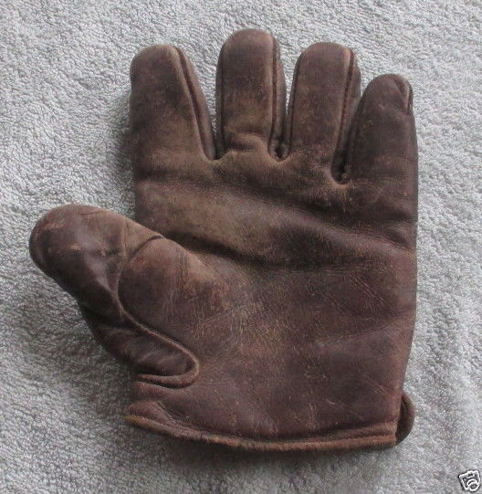 c. 1890's Webless Glove Front