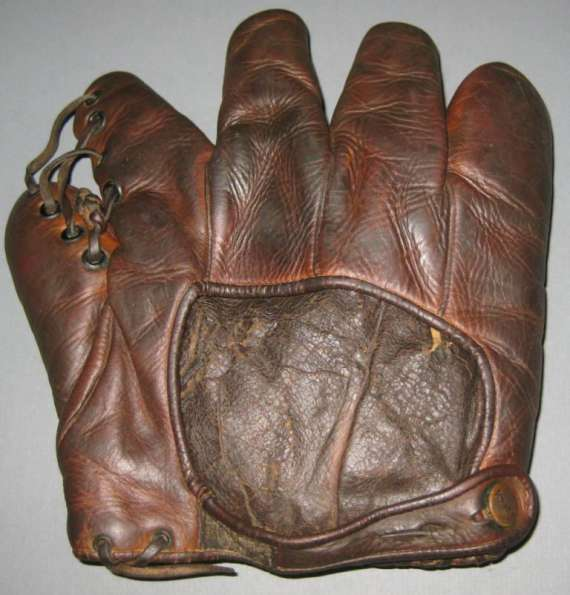 Babe Ruth Reach Brown Lefty Back