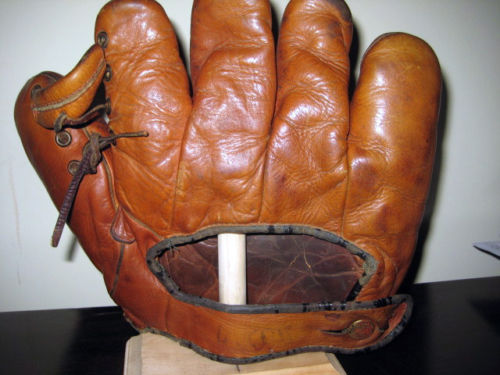 Babe Ruth Spalding Lefty Back