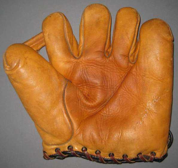 Babe Ruth Spalding Single Tunnel Web Front