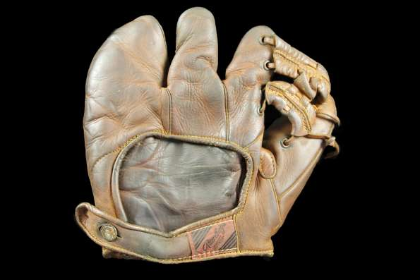 Bill Doak Rawlings H3 3 Finger Back
