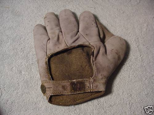 Early 1900's A.J. Reach White Crescent Glove Back