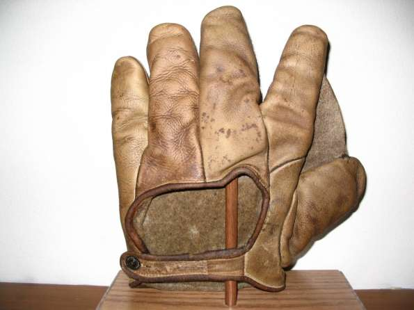 Early 1900's Goldsmith Crescent Glove Back