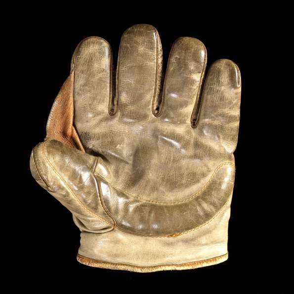 Early 1900's Crescent Fielders Glove Front