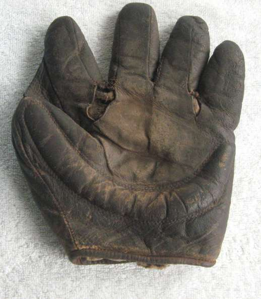 Early 1900's Crescent Glove Front