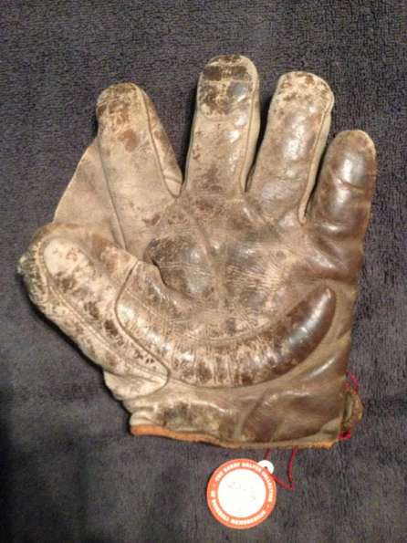 Early 1900's Spalding Crescent Glove Front