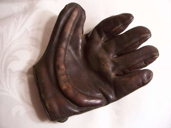 Early 1900's Spalding Dark Crescent Glove With Missing Web Front