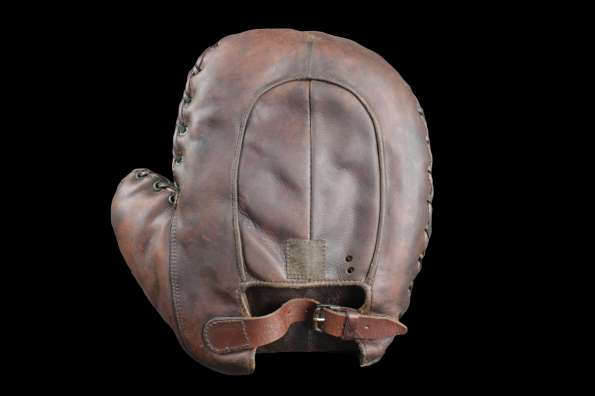 Early 1900's Spalding Red Brown Crescent Basemitt Back