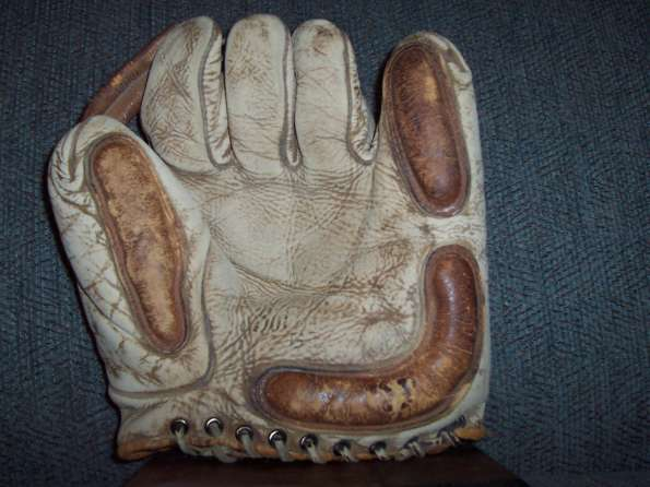 Ken Wel White Softball Glove 2 Front