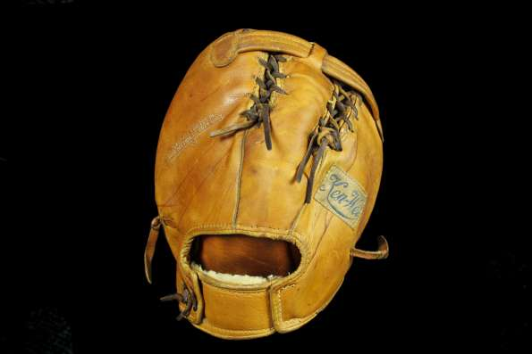 Johnny Mize Ken Wel 624 Basemitt Back