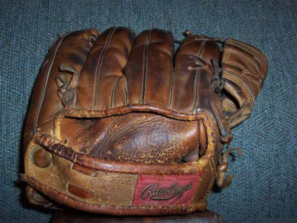 Mickey Mantle Rawlings MM Back