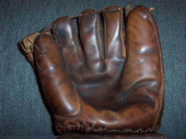 Mickey Mantle Rawlings MM Front