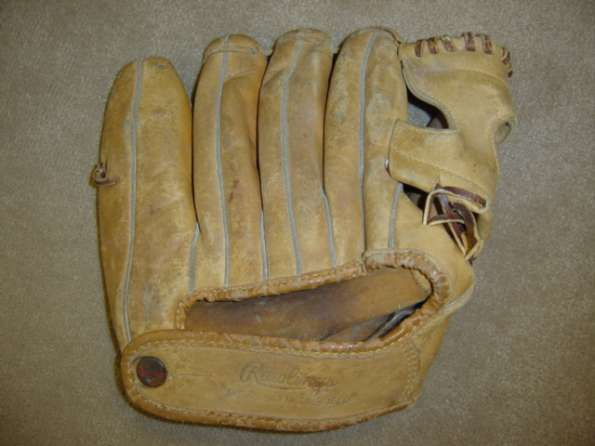 Mickey Mantle Rawlings MM9 Back