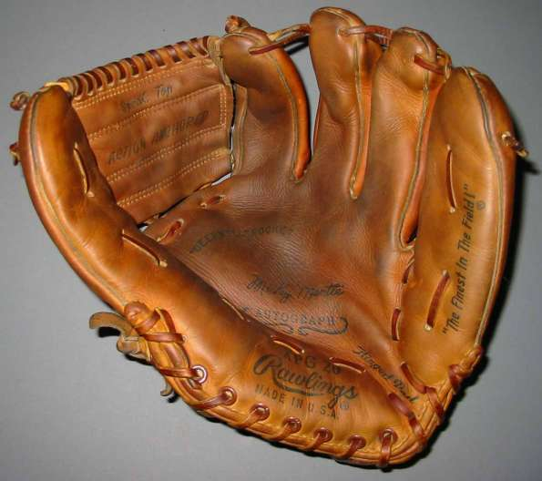 Mickey Mantle Rawlings XPG20 Front