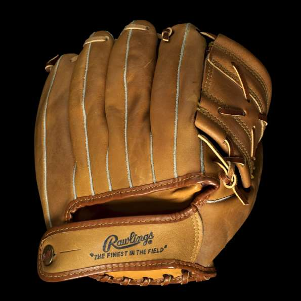 Mickey Mantle Rawlings MM9 Old Signature Back