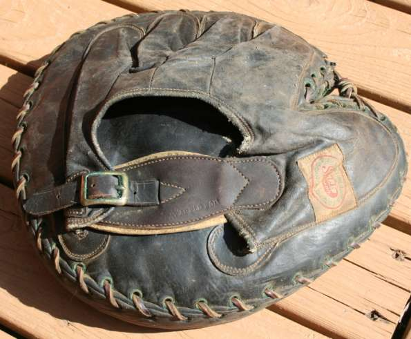 Sell Sporting Goods Catchers Mitt 2 Back