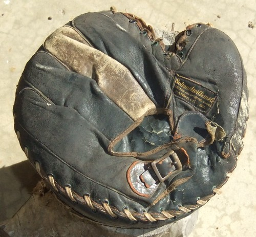 Schmelzer Arms Catchers Mitt Back
