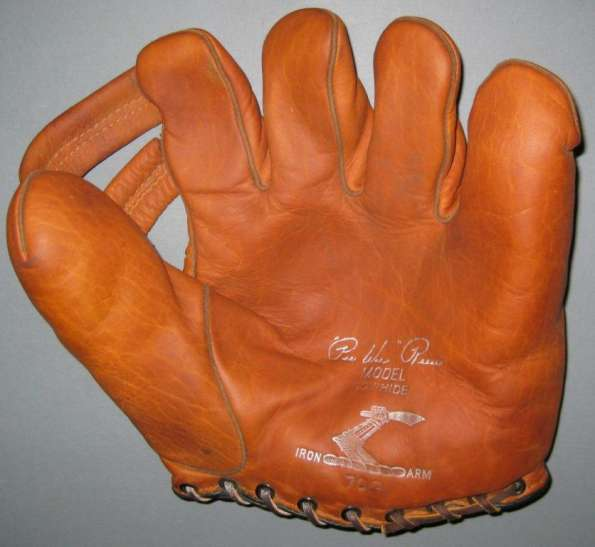 Pee Wee Reese Iron Arm 70G Front
