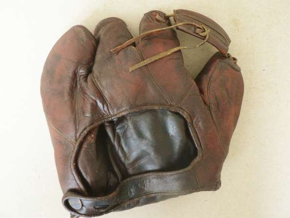 Rogers Hornsby Wilson 632 Back