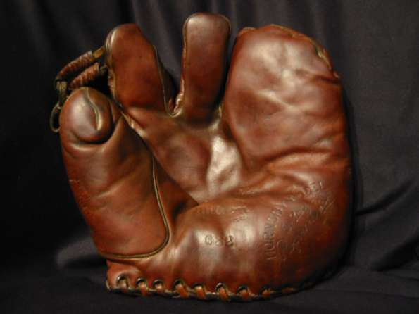 Rogers Hornsby Wilson 632 Front