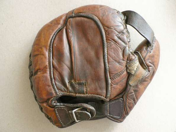 Rawlings Patched Basemitt Back