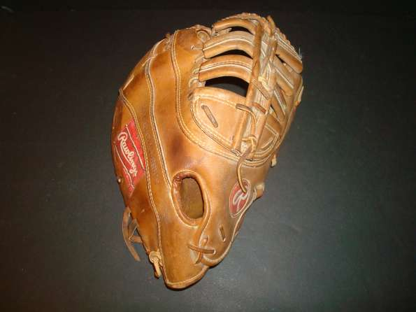 Rawlings PRO-9FB Heart of the Hide Basemitt Back