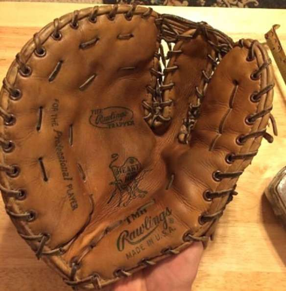 Rawlings TMH Heart of the Hide Basemitt Lefty Front