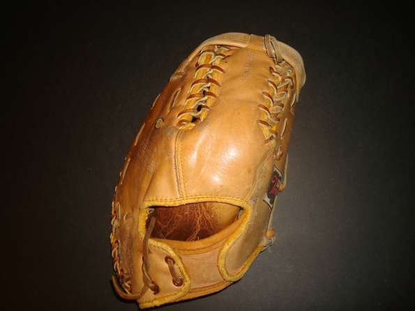 Stan Musial Rawlings T70RY Back