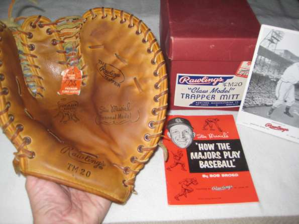 Stan Musial Rawlings TM20 Front