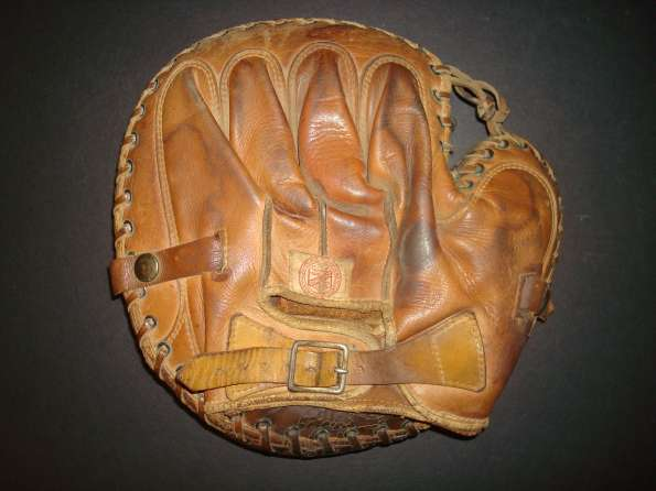 Cy Perkins Rawlings Catchers Mitt Back