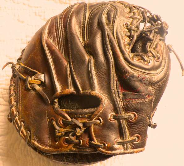 Del Rice Rawlings Catchers Mitt Back
