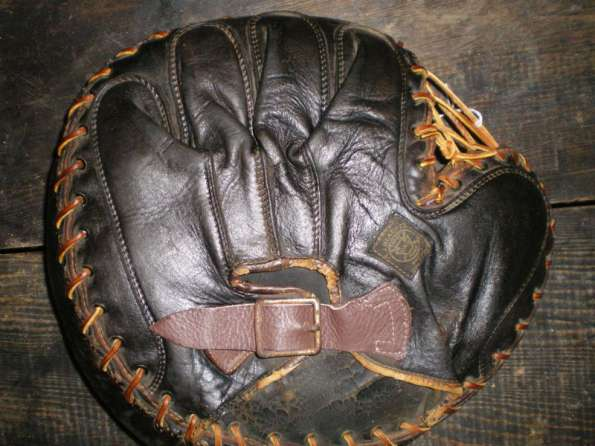 A.J. Reach Catchers Mitt 6 Back