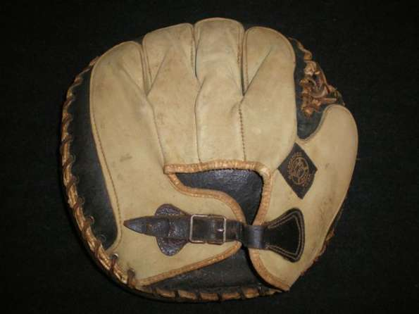 A.J. Reach Catchers Mitt 3 Back