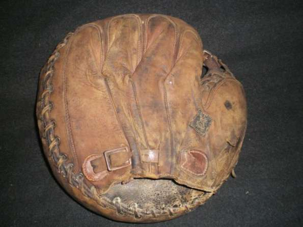 Mickey Cochrane Reach Catchers Mitt Back