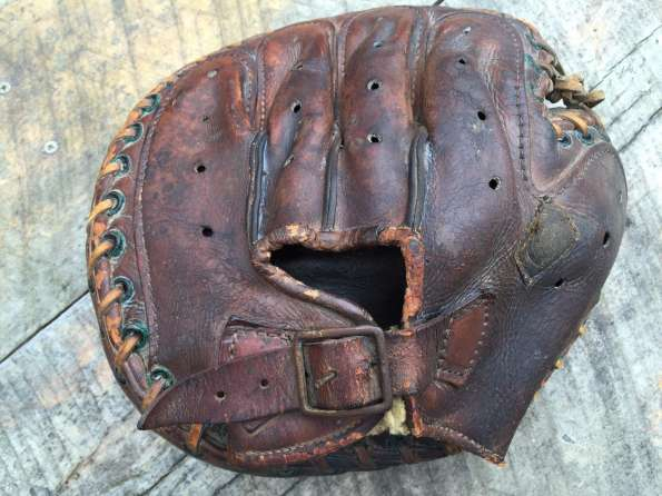 Reach Catchers Mitt With Vent Holes Back