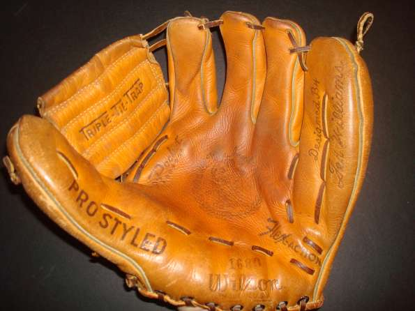 Ted Williams Wilson 1680 Glove & Box