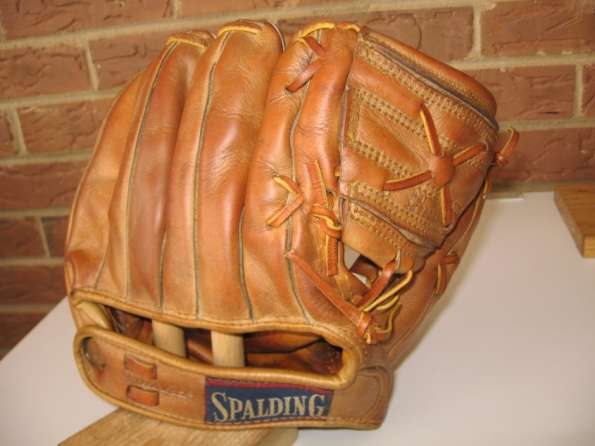 Al Dark Spalding 1003 Back