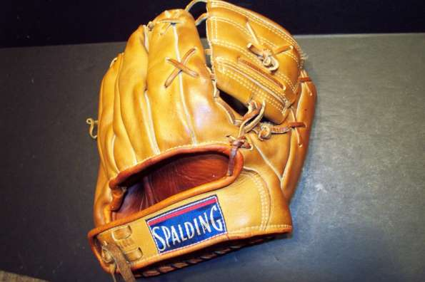 Phil Rizzuto Spalding 1122 Back