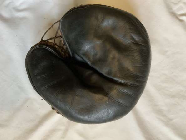 Spalding Decker Patent Catchers Mitt Front