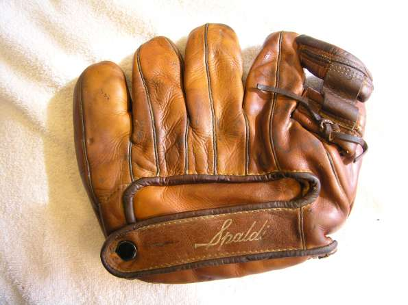frankie-frisch-spalding-128-righty-back-doug