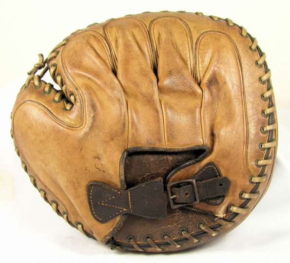 Victor Double Face Catchers Mitt Lefty Back
