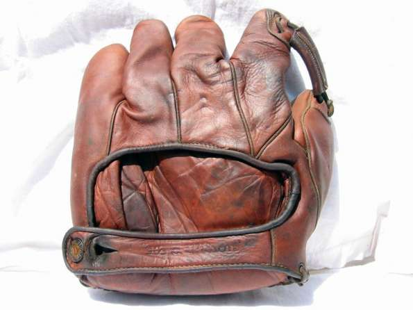 Rogers Hornsby Wilson 648L Back