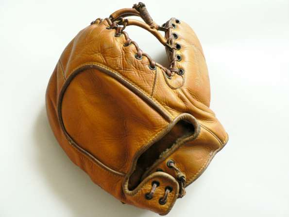 Wilson 550 Pro No Seamless Thumb Basemitt Back